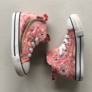 Toddler floral high top converses size 8 in pink